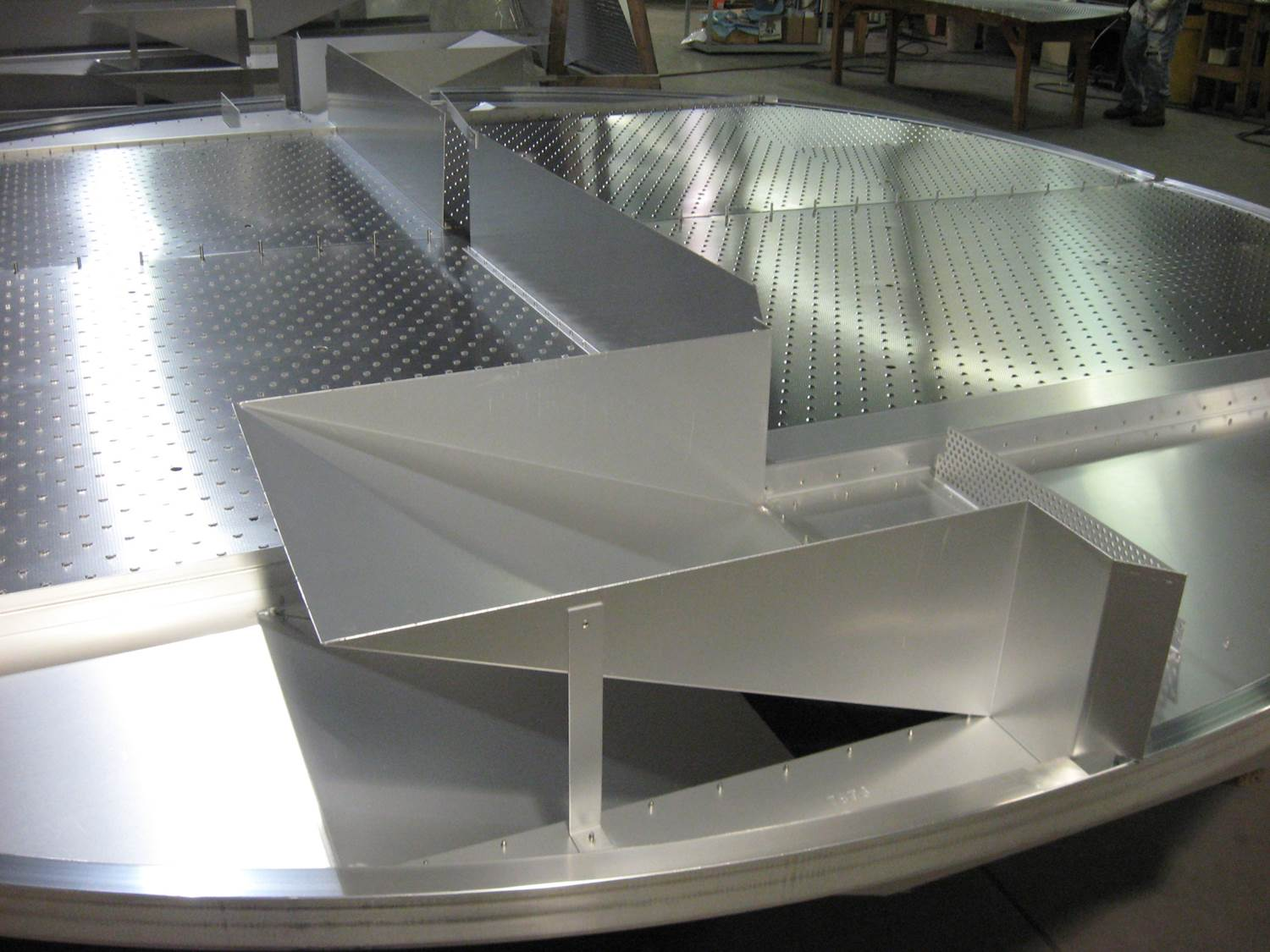 Riveted Aluminum Tray Close Uo